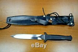 Gerber Mark II GUARDIAN II Fighting Knife with Leather Sheath, Vintage KB